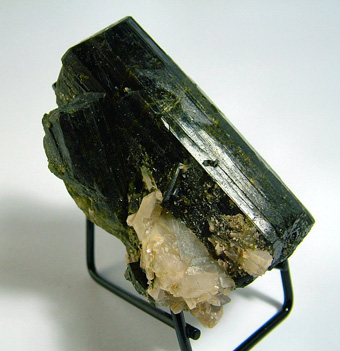 Epidote and Quartz - Green Monster Mountain, Prince of Wales Island, Ketchikan District, Prince of Wales-Outer Ketchikan Borough, Alaska, USA