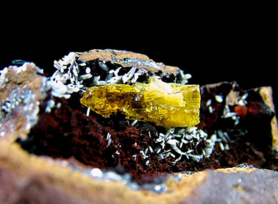 Legrandite with Aragonite - Ojuela Mine, Mapimí, Mun. de Mapimí, Durango, Mexico