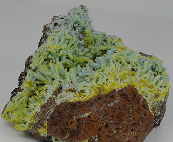 Plumbogummite ps after pyromorphite  and piromorphite - Yangshuo mine - Guangxi Autonomous Region - China