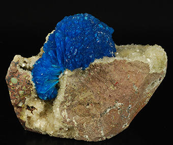 Cavansite and stilbite - Wagholi quarry - Poona distr. - Maharastra state - India