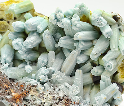 Plumbogummite ps after pyromorphite - Yangshuo mine - Guangxi Autonomous Region - China
