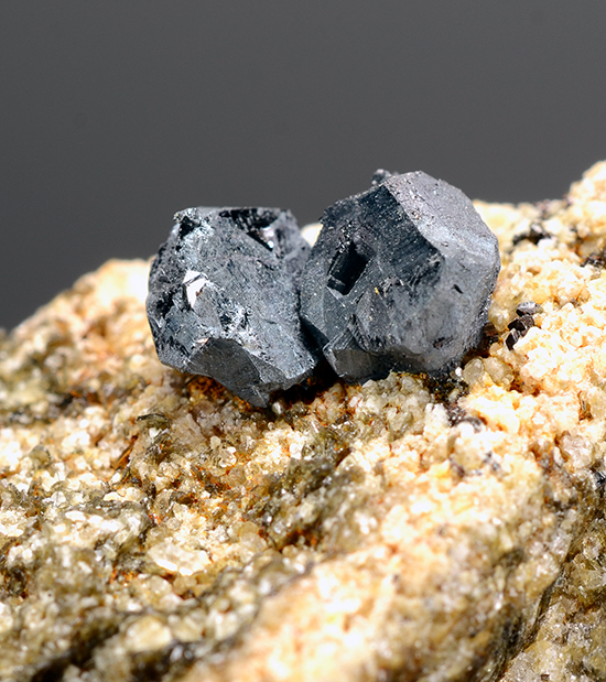 Hematite ps on Ilmenite - Vorderer Kollergraben, Lercheltini, Binnatal, Wallis, Switzerland.