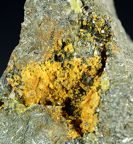 Karibibite - Oumlil mine, Bou Azzer District - Morocco